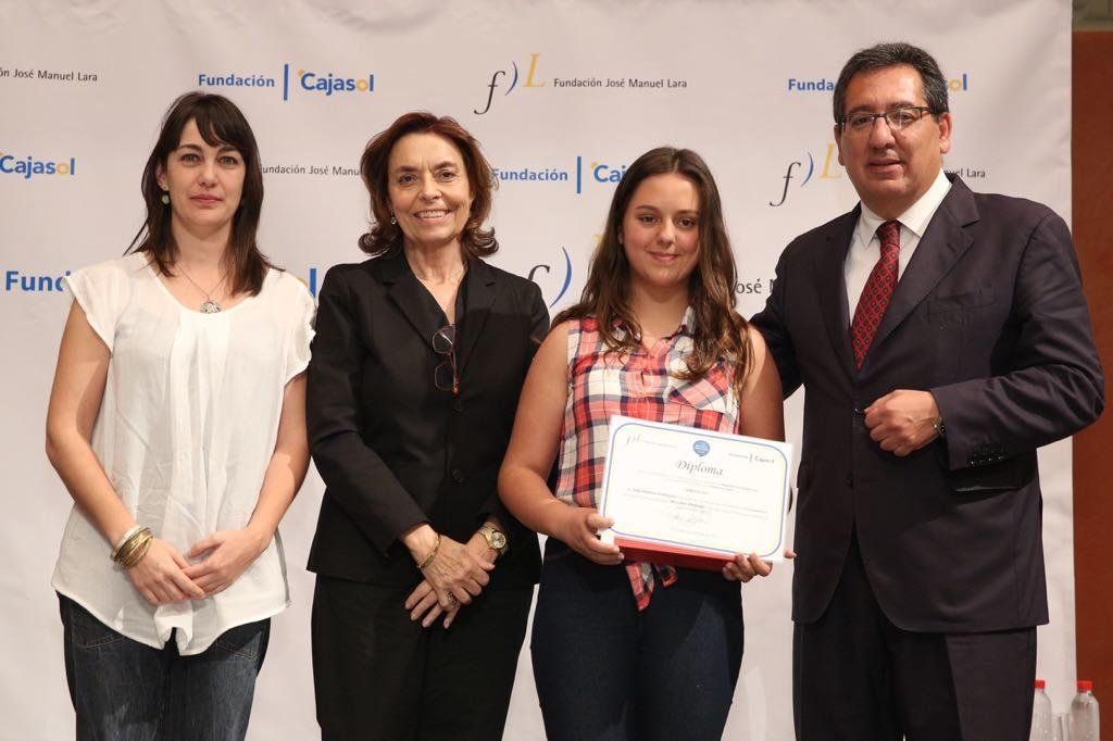 Julia Pariente Domínguez, ganadora del V concurso 'Mi libro preferido' en la provincia de Huelva