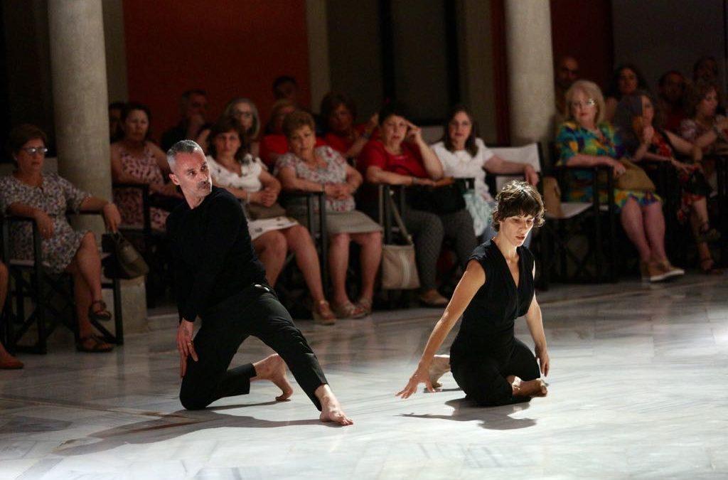 Víctor Zambrana y Natalia Jiménez 'bailan contigo' en la Fundación Cajasol