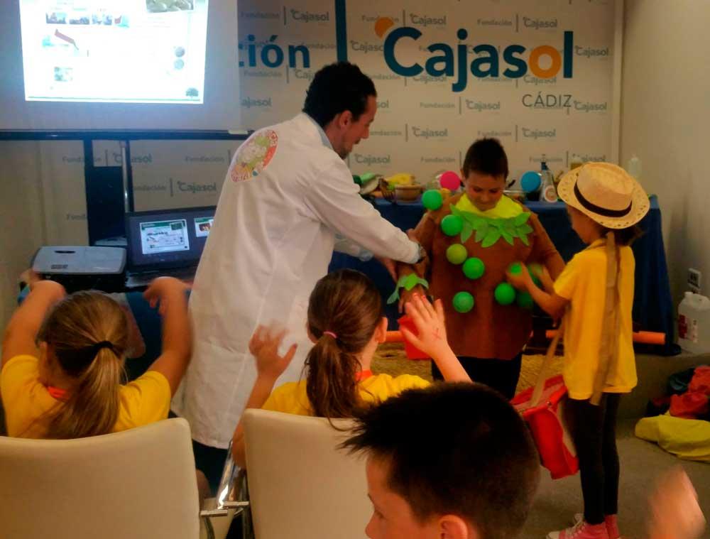 Taller Nutrióleo por el Día de la Educación 2018 en la sede de la Fundación Cajasol en Cádiz