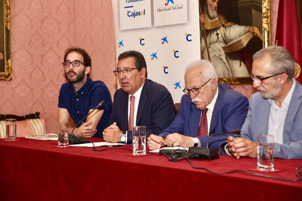 Antonio Pulido, durante su intervención ante los medios en la presentación del proyecto 'Igualando al Sur' en el Ayuntamiento de Sevilla