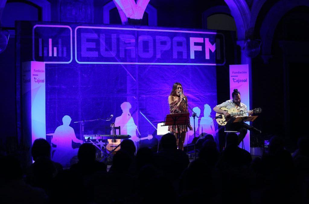Claudia Ula y Alejandro Bejarano le ponen música al verano en Sevilla