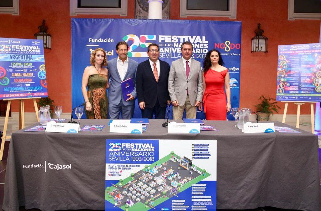 Entrega de los XV Premios Solidarios del Festival de las Naciones de Sevilla