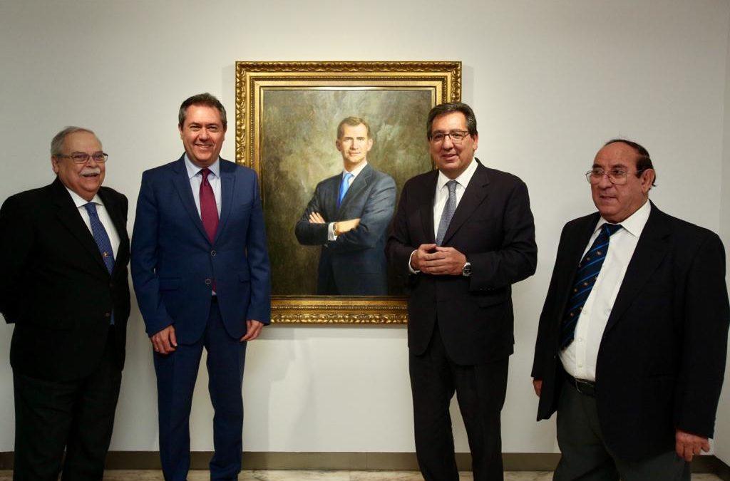 Juan Valdés vuelve a la Fundación Cajasol para presentar su nueva exposición 'Retratos', que acerca a los personajes más variados de la sociedad española