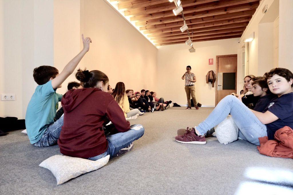 Los alumnos mostraron interés en el taller educativo de la II Semana de las Letras en Cádiz