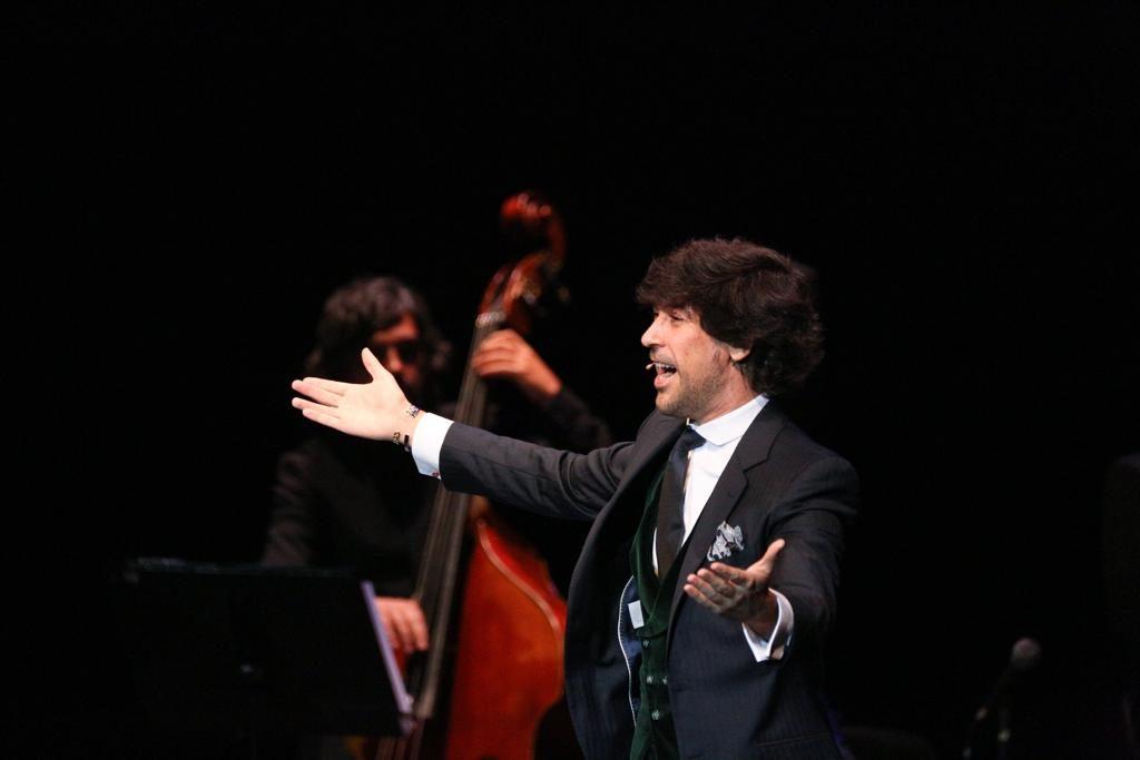 Manuel Lombo en su actuación en el Cartuja Center de Sevilla
