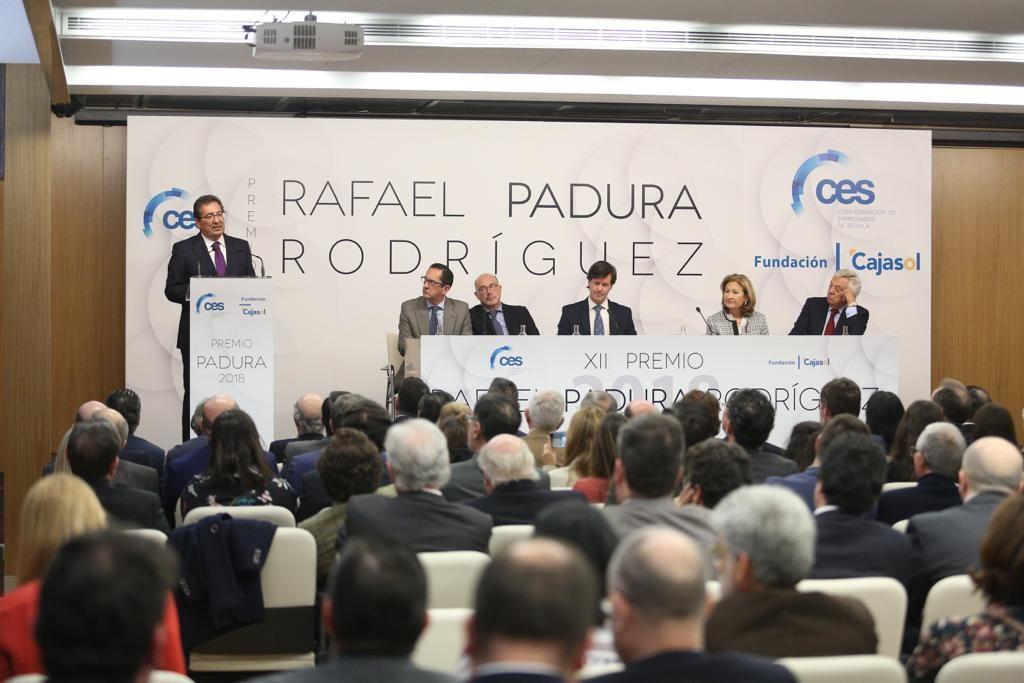 Antonio Pulido, durante su discurso en el acto de entrega del XII Premio Rafael Padura