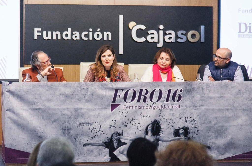 Lucía Avilés y Ángeles Sepúlveda en el III Foro16 'Feminismo, igualdad real' en Sevilla