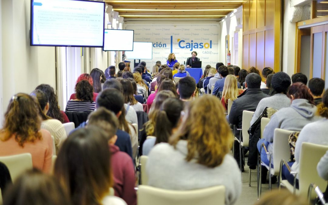 La Fundación Cajasol colabora en la divulgación de la lingüística con la jornada 'Las ciencias del lenguaje al alcance de todos'