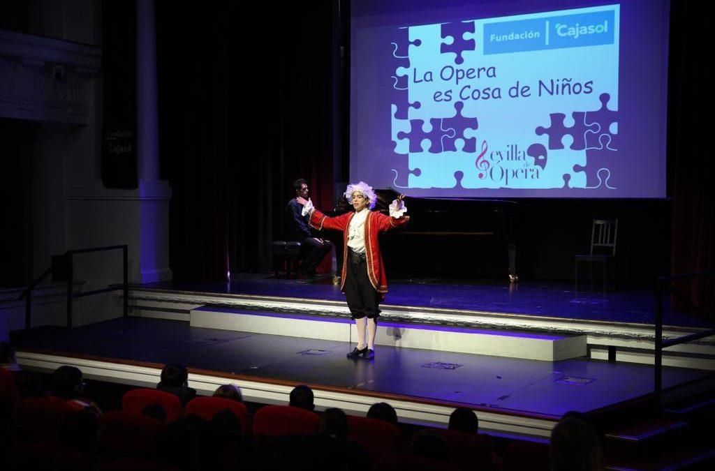 Escolares sevillanos se acercan al mundo de la ópera en la Fundación Cajasol