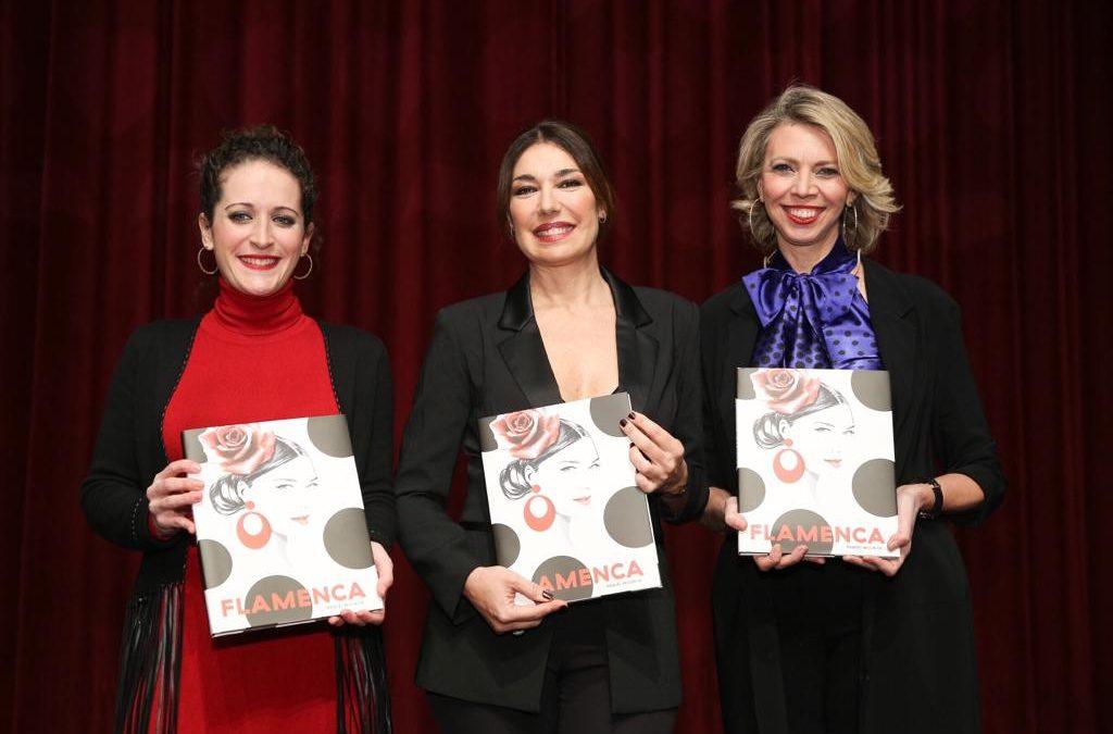 Presentación del libro 'Flamenca', de Raquel Revuelta, en la Fundación Cajasol