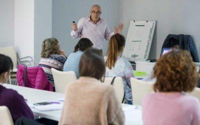 Jornada formativa en finanzas para miembros del  Programa de Lanzaderas de Empleo en Huelva