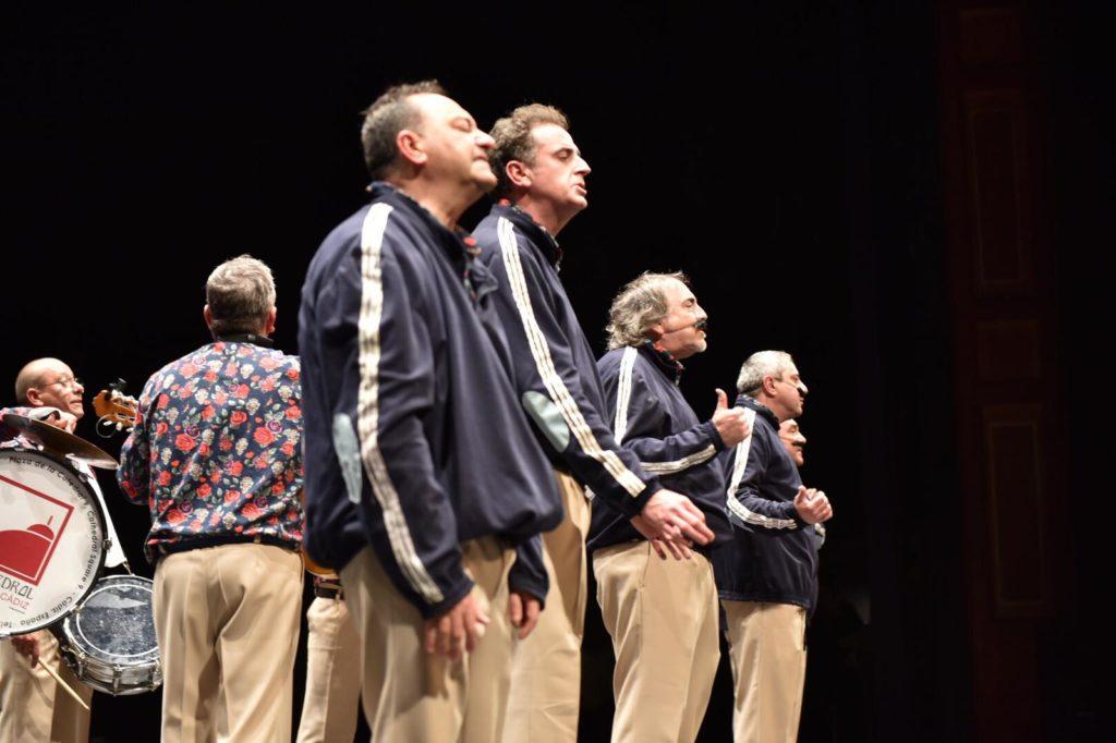 Chirigota 'Los quemasangre', liderada por El Selu, en el Teatro Villamarta de Jerez