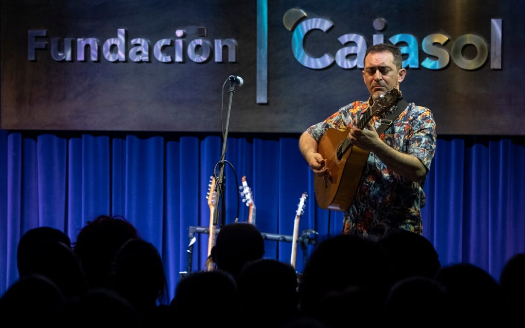Raúl Rodríguez alza el telón de 'Los Jueves en la Cuarta' en la Fundación Cajasol