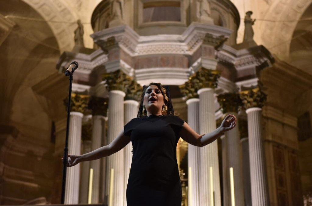 Concierto de Laura Gallego en la Catedral de Cádiz con 'Saeta y Mantilla'