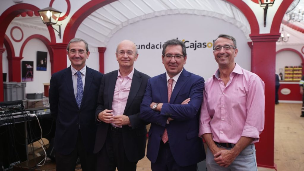Antonio Pulido, presidente de la Fundación Cajasol, en el almuerzo con entidades sociales en la Feria de Abril 2019