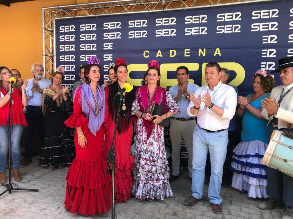 La familia de Rafa Serna recoge el Premio Tamborilero 2019 de la Cadena SER en Huelva
