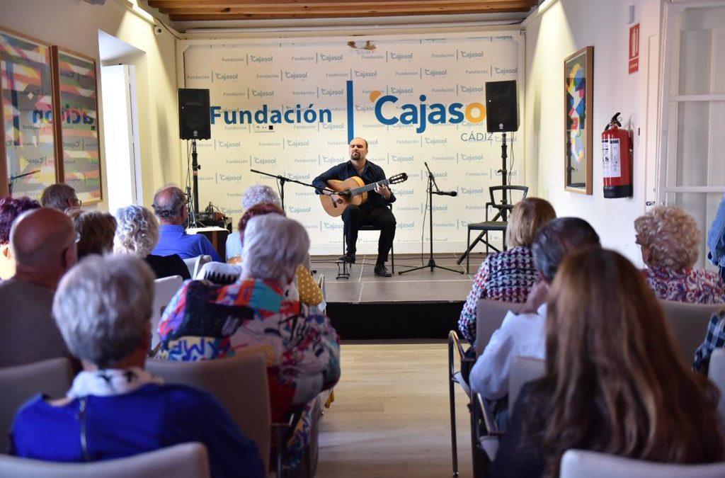 'La guitarra en el tiempo', de Santiago Lara, magnífico colofón al XXXIV Ciclo Conocer el Flamenco en Cádiz