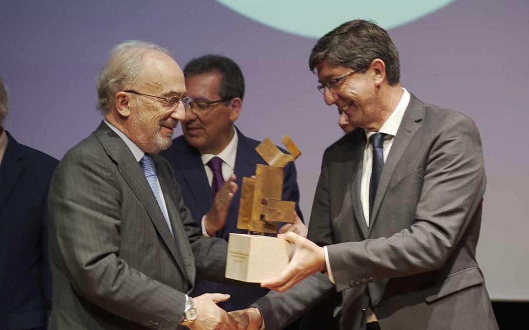 Entrega del XI Premio Jurídico ABC a Santiago Muñoz Machado en la Fundación Cajasol