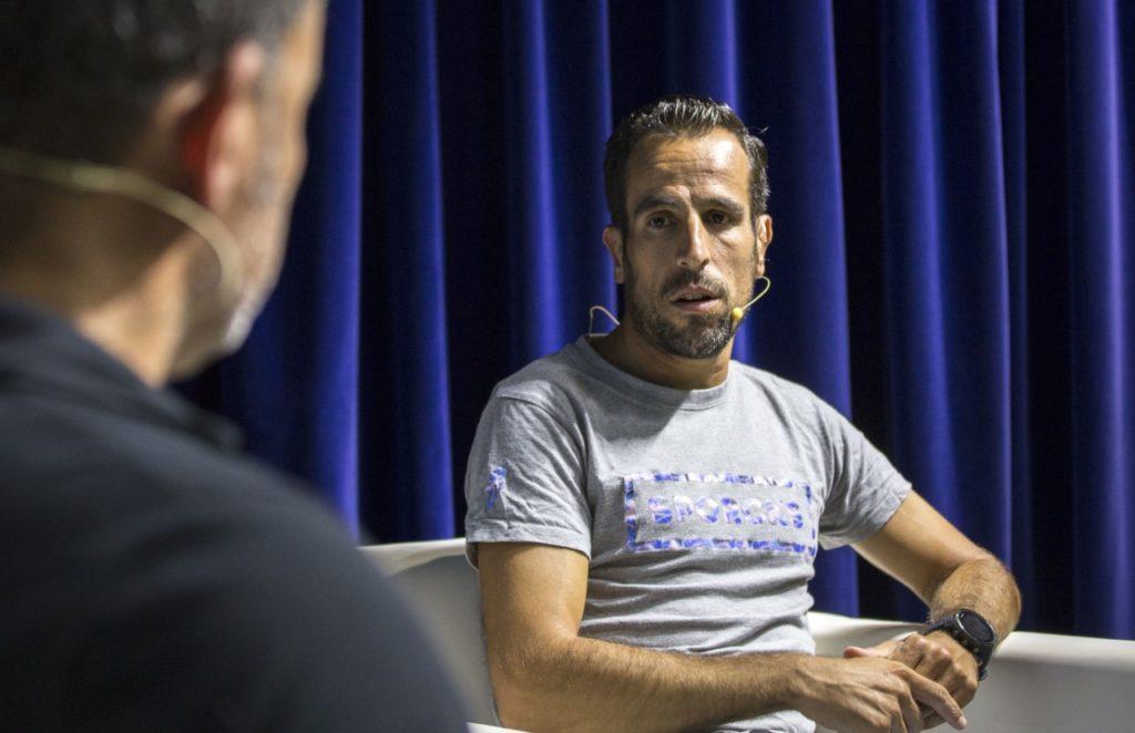 Emilio Martín, durante su charla deportivo en la Fundación Cajasol