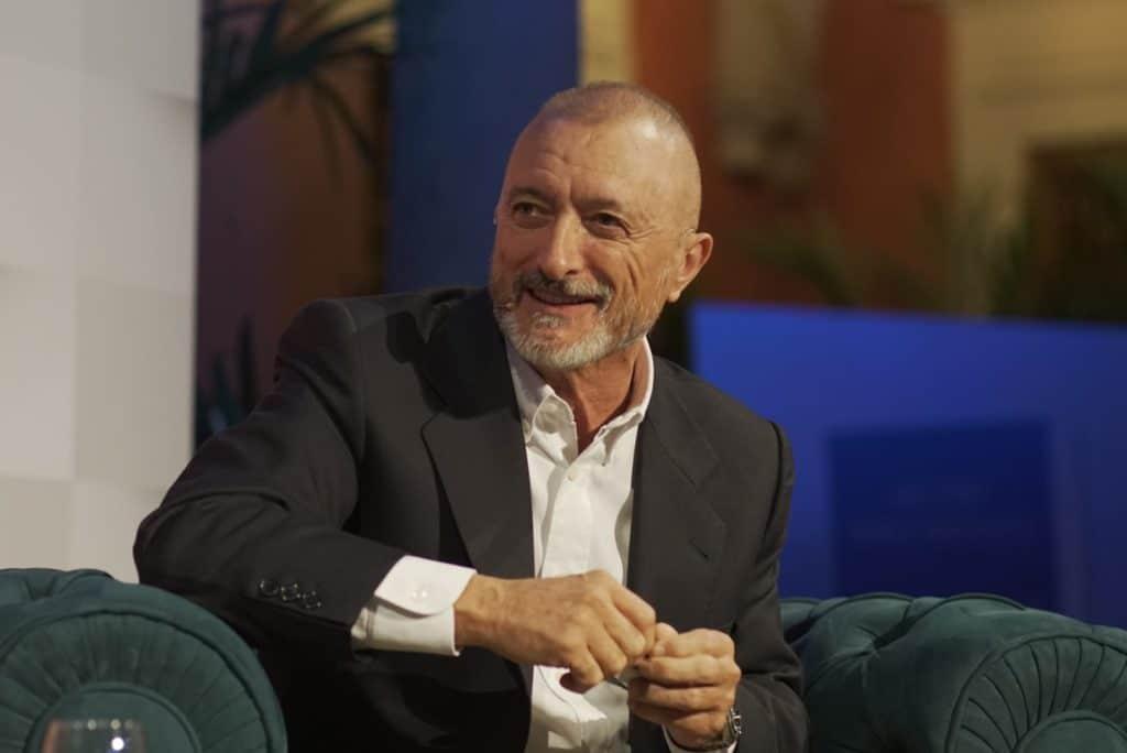 Arturo Pérez Reverte en el XVI Congreso de ASALE en la Fundación Cajasol