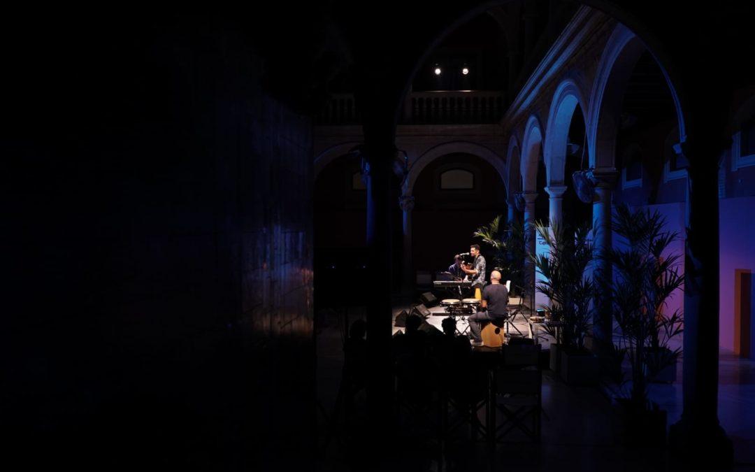 'Noches de Verano en Cajasol': Música en directo y cine todos los jueves y viernes de julio y agosto