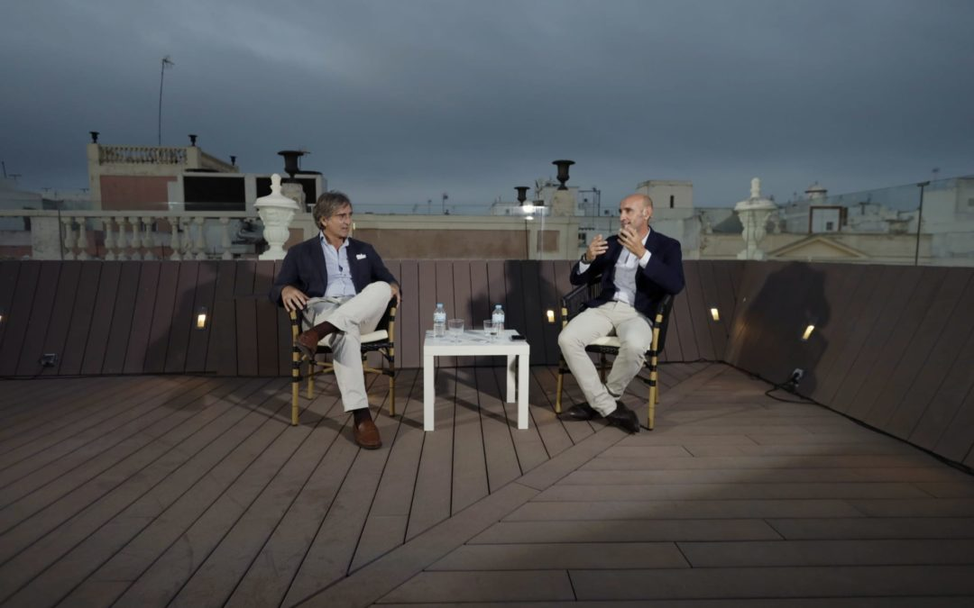 'Reencuentros' en la Fundación Cajasol: 'Monchi' y Javier Martínez de Salazar en Cádiz