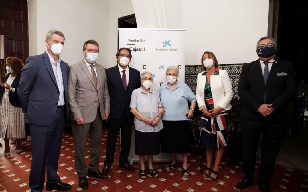 La Fundación Cajasol y la Fundación 'la Caixa' presentan el proyecto social y educativo con la Hermandad de la Hiniesta en Sevilla