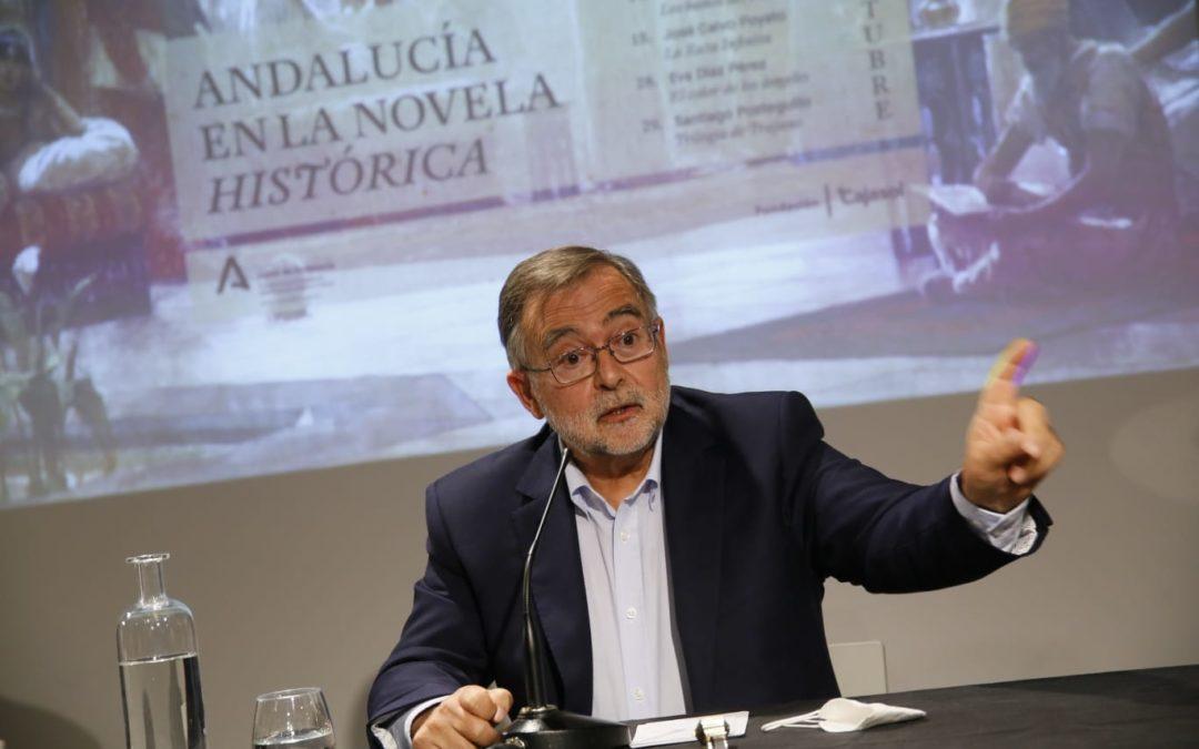 José Calvo Poyato, durante su conferencia en la sede de la Fundación Cajasol en Córdoba