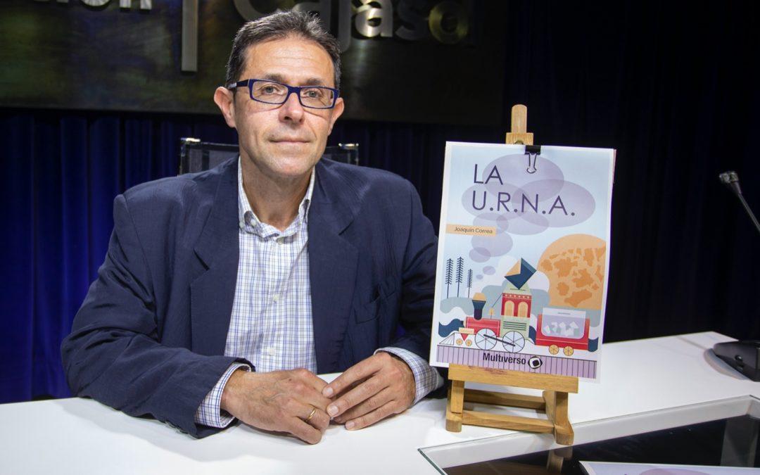 Joaquín Correa presenta su último libro, 'La U.R.N.A.' en Huelva